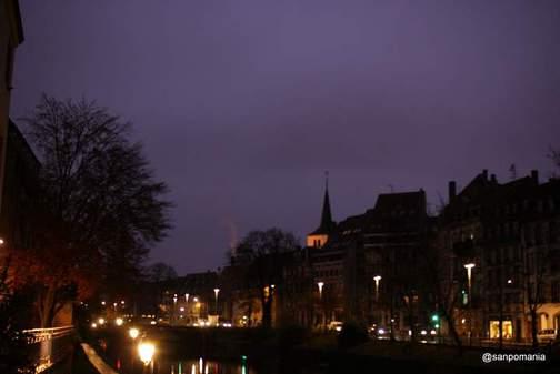 2011/11/14;日の出時刻の運河沿い