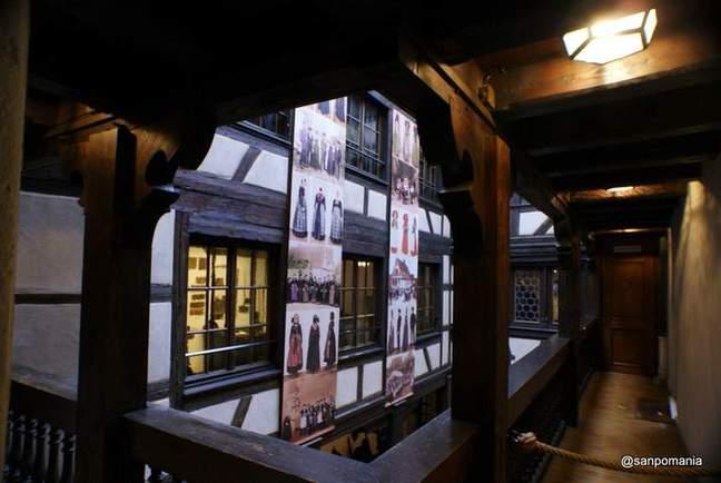 2011/11/13;中庭の廊下