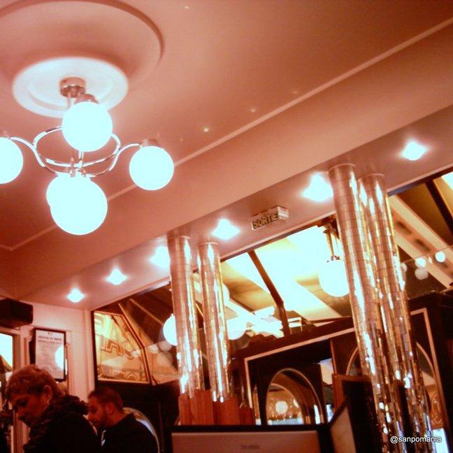 2011/11/18;「ミラーボール」ならぬミラー柱;カフェ・ド・レポック