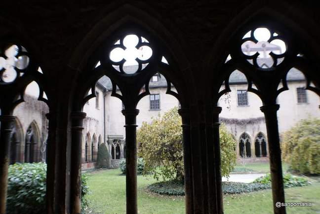 2011/11/16;中庭;ウンターリンデン美術館