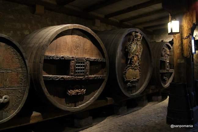 2011/11/16;装飾入りのワイン樽;ウンターリンデン美術館