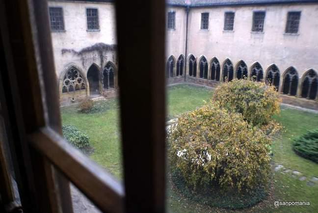 2011/11/16;二階から眺めた中庭;ウンターリンデン美術館