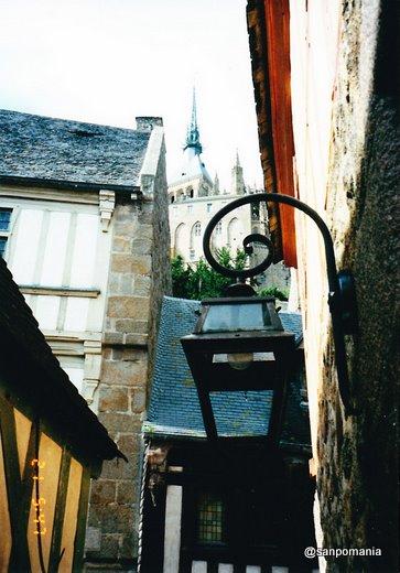 1997年;路地から見たモンサンミシェル