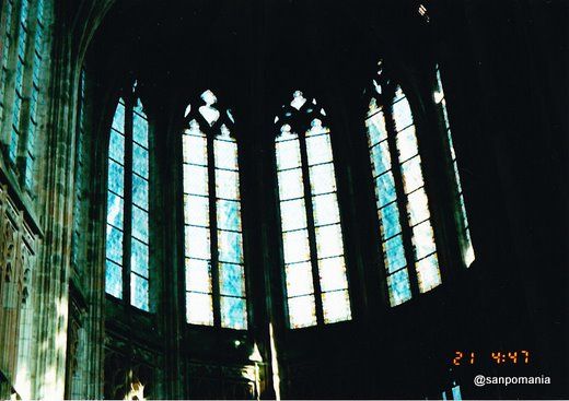 1997年;モン・サン=ミシェルのステンドグラス