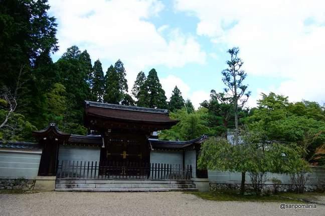 2012/09/16;神護寺の書院の門