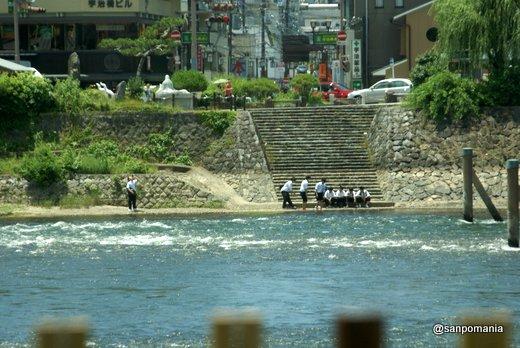 2011/06/25;宇治川で水遊び