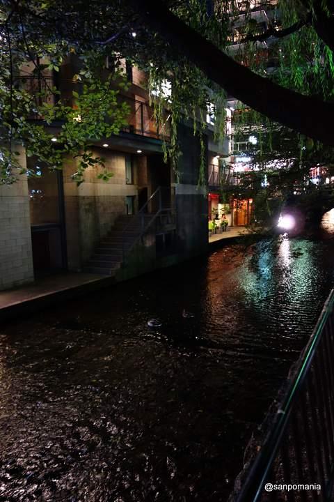 2012/09/16;高瀬川沿いのビル