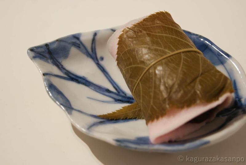 kagurazaka_isuzu-wagashi_20110326-171431.jpg